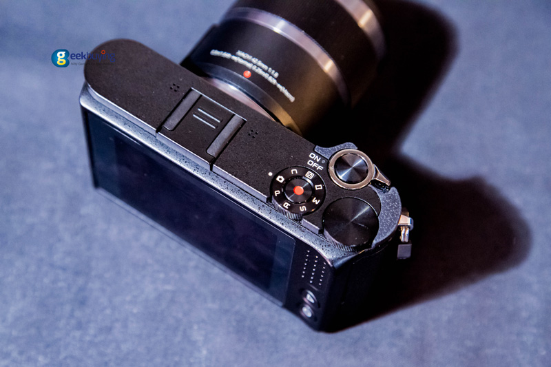 yi-m1-mirrorless-camera-01