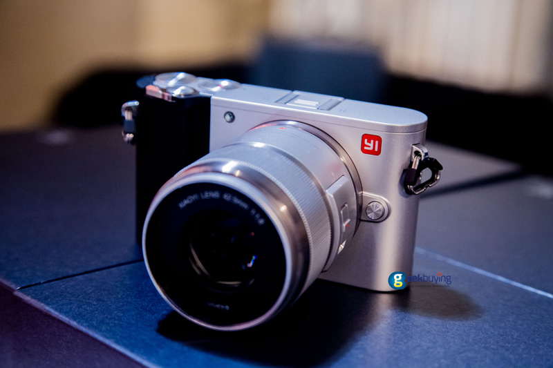 yi-m1-mirrorless-camera-03