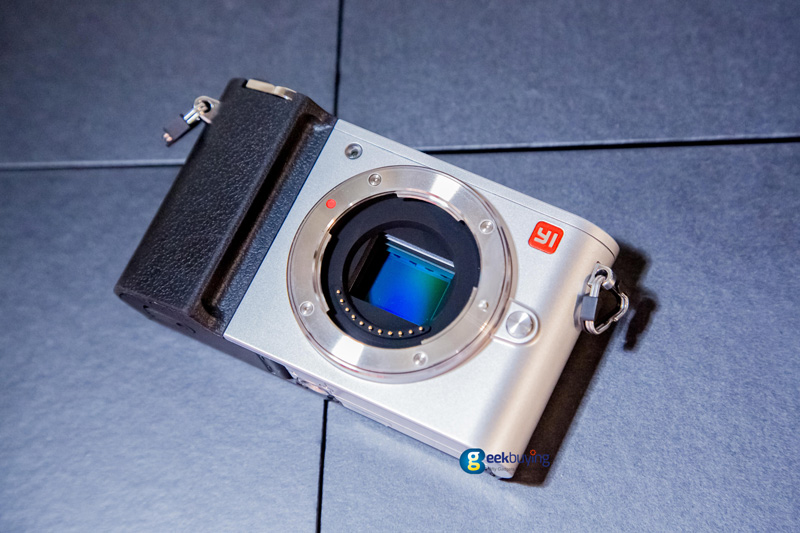yi-m1-mirrorless-camera-08