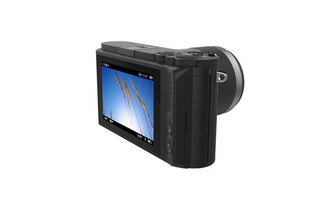 yi-mirrorless-camera-2